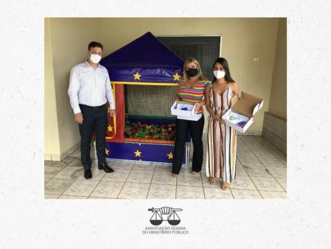 AGMP faz doação de brinquedos a instituições viabilizada por arrecadação de associados