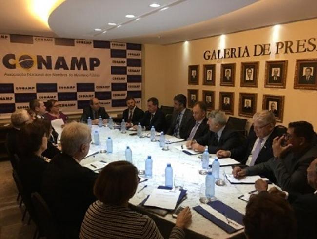 Comissão de aposentados da CONAMP realiza nova reunião em Brasília