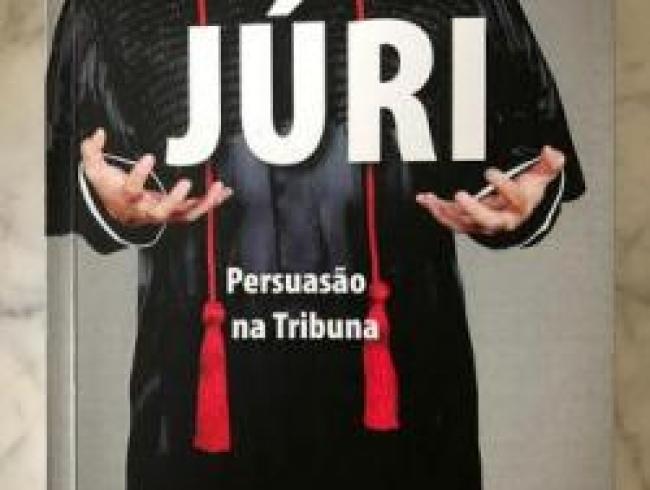 Livro de associado ganha edição em Portugal