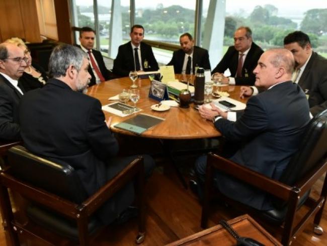 Entidades associativas reunem-se com ministro-chefe da Casa Civil