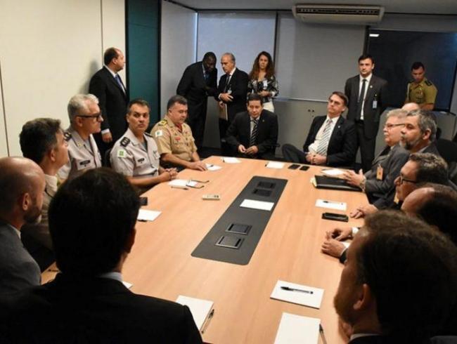 Jair Bolsonaro reúne-se com entidades da Segurança Pública