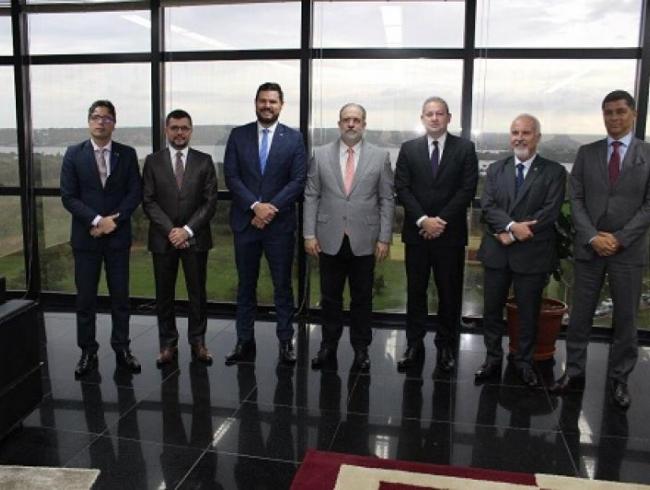 CONAMP e Frentas reúnem-se com presidente do STF e PGR