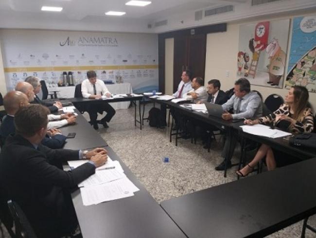 Associações coletam assinaturas para emendas ao projeto de Reforma da Previdência