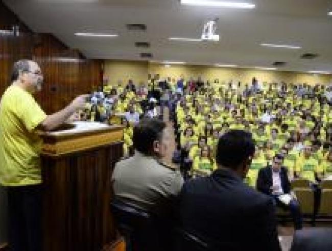 Mobilização em Goiás reúne centenas de apoiadores da campanha contra a PEC 37