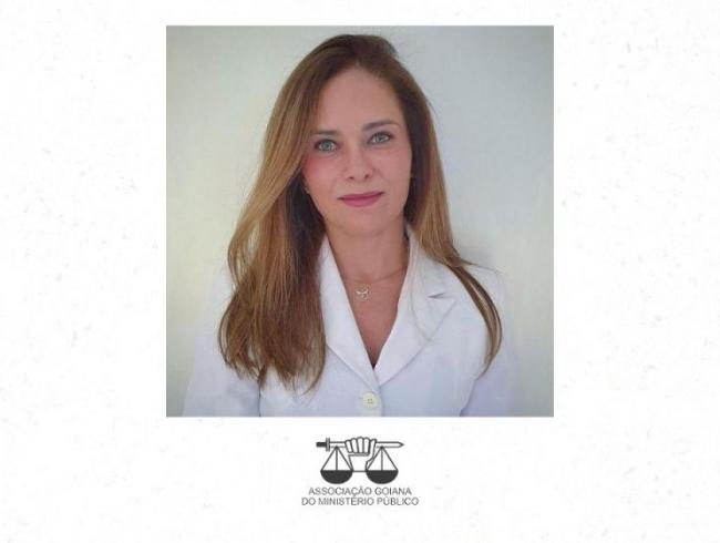 Promotora de Justiça Patrícia Gimenes é homenageada na Câmara Municipal de Goiânia